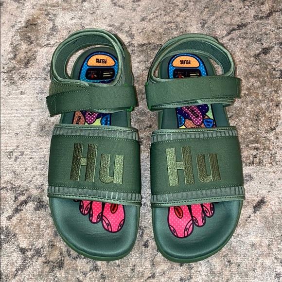 pharrell slippers